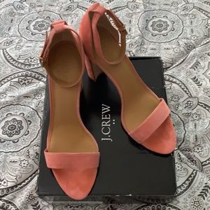 🖤J.Crew Coral Suede Chunky Heel.